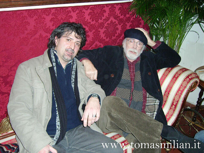 2009-Giorgio-Navarro-e-Tomas-Milian-sul-set-di-Roma-Nuda-regia-di-Giuseppe-Ferrara